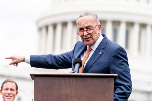 Schumer warns dangerous fake e-cigs are entering the US