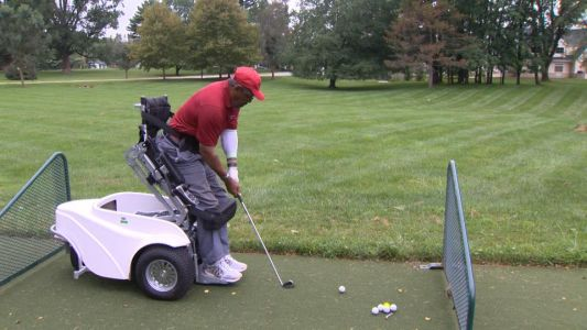 Paralyzed players can stand, play golf with ParaGolfer