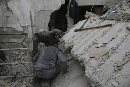 US, allies race to rescue aid workers in Syria as Assad gains ground