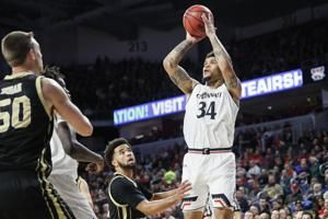 Cumberland leads Cincinnati over Western Michigan 78-52