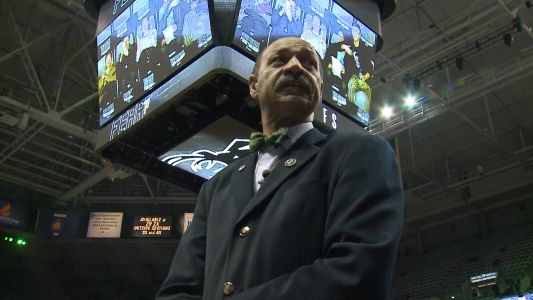 Former Bucks player channels love of game in new role at Bradley Center