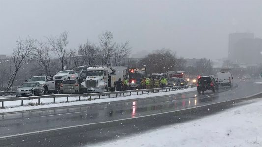 I-293 North closed at Exit 6 in Manchester after crash