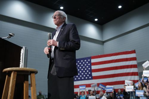 Celebrity star-power fuels Bernie's final Iowa sprint