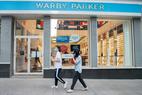 Glasses retailer Warby Parker eyeing IPO as soon as this year