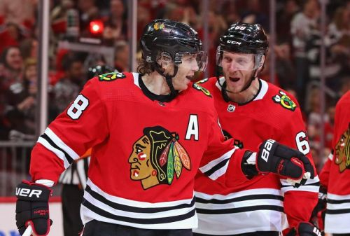 Blackhawks in playoff plan, Chicago hub city finalist