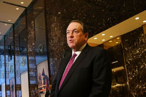 Mike Huckabee calls AOC the 'best thing' for Trump