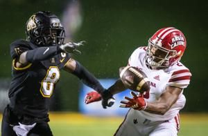 No. 20 La.-Lafayette overcome bad snaps to beat App State