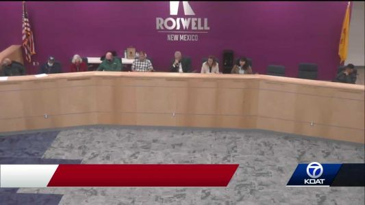 Governor's office calls foul on Roswell City Council meeting