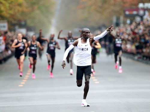 A Kenyan runner finished a marathon in under 2 hours, sprinting at a 4:34-mile pace. Here's why his record doesn't count