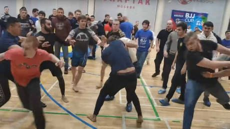 Russian jiu-jitsu tournament ends in mass brawl as fighters & guests attack each other in sports hall