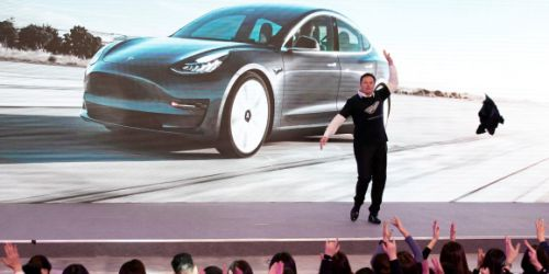 Elon Musk says Tesla is 'very close' to level 5 autonomous driving