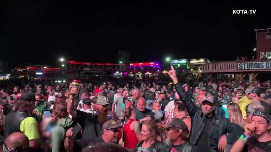 Smash Mouth plays huge concert at Sturgis, video shows little social distancing