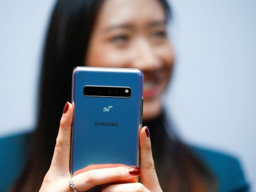 How to hide text messages on a Samsung Galaxy S10, and lock your Messages app with a password