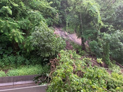 Route 66 closed in both directions due to landslides