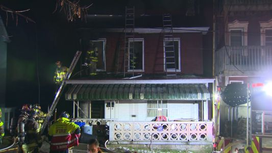 Woman and five kids escape house fire in Pittsburgh