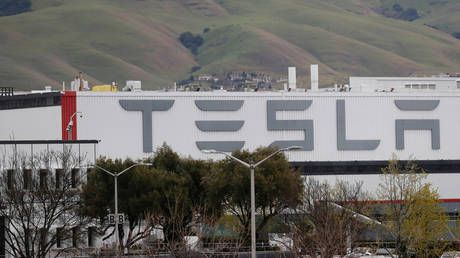 Tesla could be axing HUNDREDS of contractors from California & Nevada factories - media