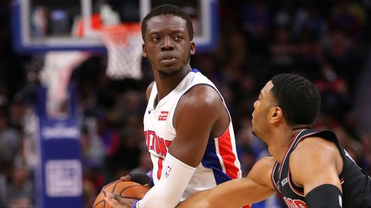 Should Lakers fans be worried about Reggie Jackson signing with the Clippers?