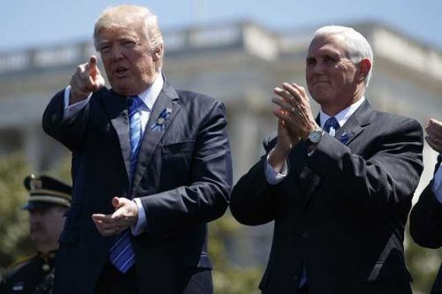 White House: Anyone 'in close proximity' to president, vice president will get rapid COVID-19 test