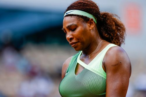 Serena Williams loses in fourth round of French Open
