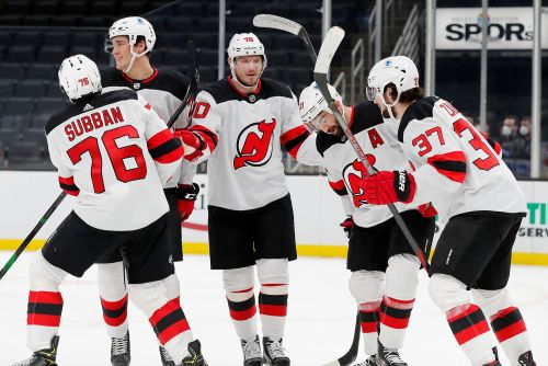 Devils end five-game skid with shutout of Bruins