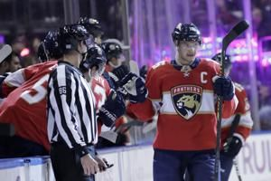 Barkov, Connolly lead Panthers over Flyers 5-2