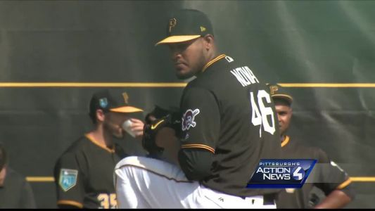 Pirates trade Ivan Nova to White Sox for 19-year-old pitching prospect Yordi Rosario