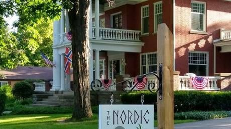 Michigan inn owners remove Norwegian flag after taking flak from folk mistaking it for Confederacy banner