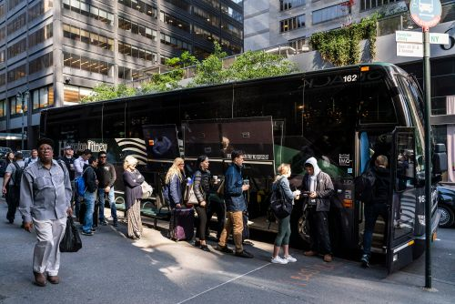 Why NYers spend big bucks for 'exclusive' Hampton Jitney memberships