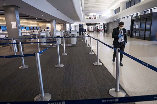 US reminds airlines travelers are entitled to cash refunds amid coronavirus disruptions