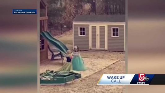 Wake Up Call from Elsa and Anna