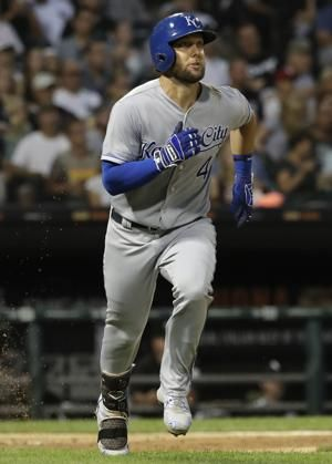 Gordon's bat, Keller's arm lead Royals past White Sox, 3-1