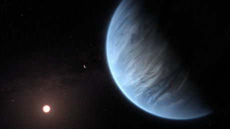Earth not so unique? First 'habitable' world with WATER in atmosphere found using Hubble