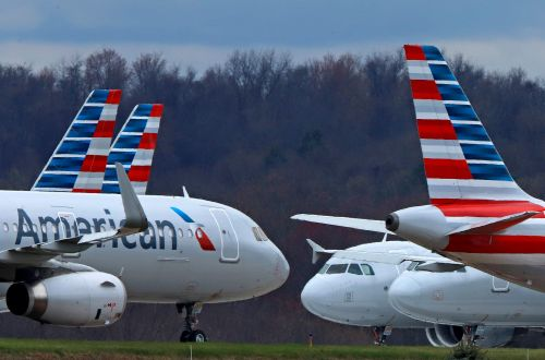 US exceeds 1 million daily air travelers for the first time since March