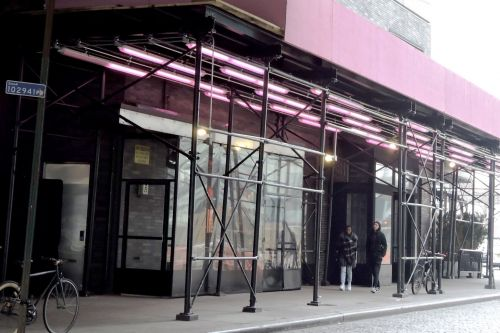 NYC fines Standard Hotel for its pink scaffolding and lights