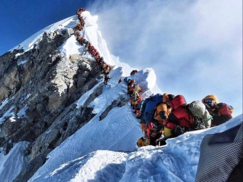What 'summit fever' and the record number of deaths on Mount Everest can teach you about the dark side of goals