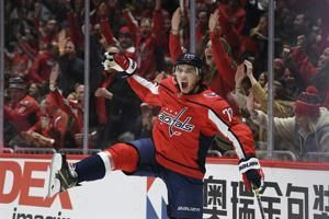 T.J. Oshie scores twice, Capitals beat Bruins - again
