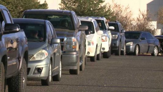 Community comes together for Food Pickup at Cottonwood Mall