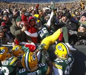 Packers beat sliding Falcons 34-20, 1st win under Philbin