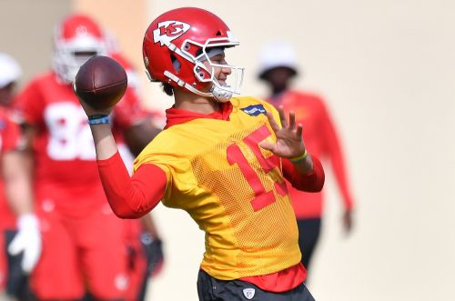 Patrick Mahomes says he's out of concussion protocol and cleared to play in AFC title game