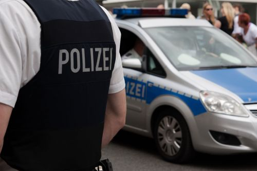 German police raid 16 homes of suspected Islamic extremists
