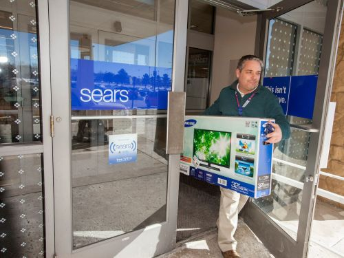 Sears is catching heat for dedicating over $25 million to exec bonuses while reportedly cutting off severance for laid-off store workers