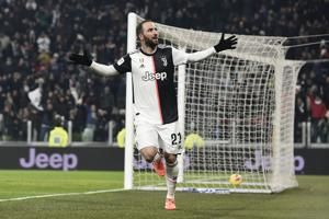 Higuain latest player injured as Serie A prepares to resume