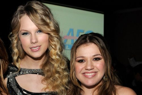 Kelly Clarkson advises Taylor Swift to re-record music amid Scooter Braun drama