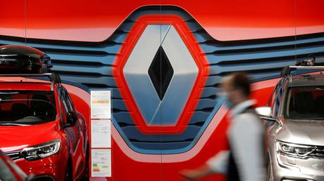 Renault workers protest automaker's plan to axe nearly 15,000 jobs