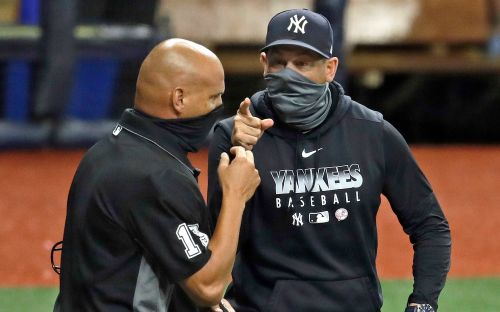 Aaron Boone ejected after losing it on ump in Yankees' nightcap