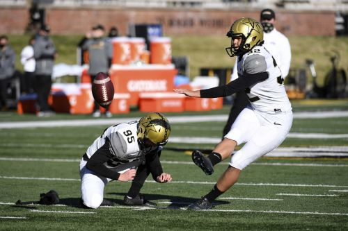 Vanderbilt's Sarah Fuller becomes first woman to play in Power 5 football game