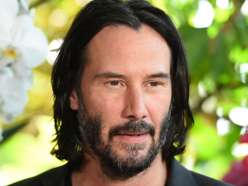 A story about Keanu Reeves buying an ice cream just so he could autograph the receipt for a young fan has gone viral. And now others are sharing their own touching experiences with the actor