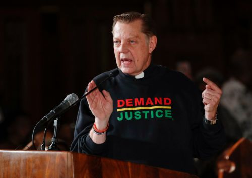 Archdiocese investigation into Father Pfleger begins after DCFS indicates no current risk