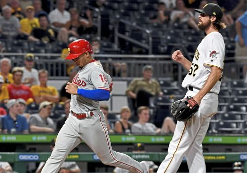 Bullpen problems persist for Pirates in series-opening loss to Phillies