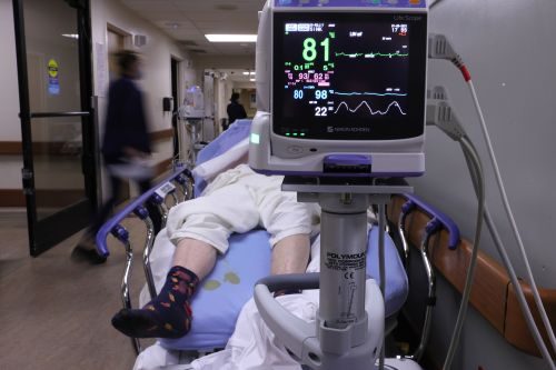 2 in 5 Americans live in areas running out of ICU space amid COVID-19